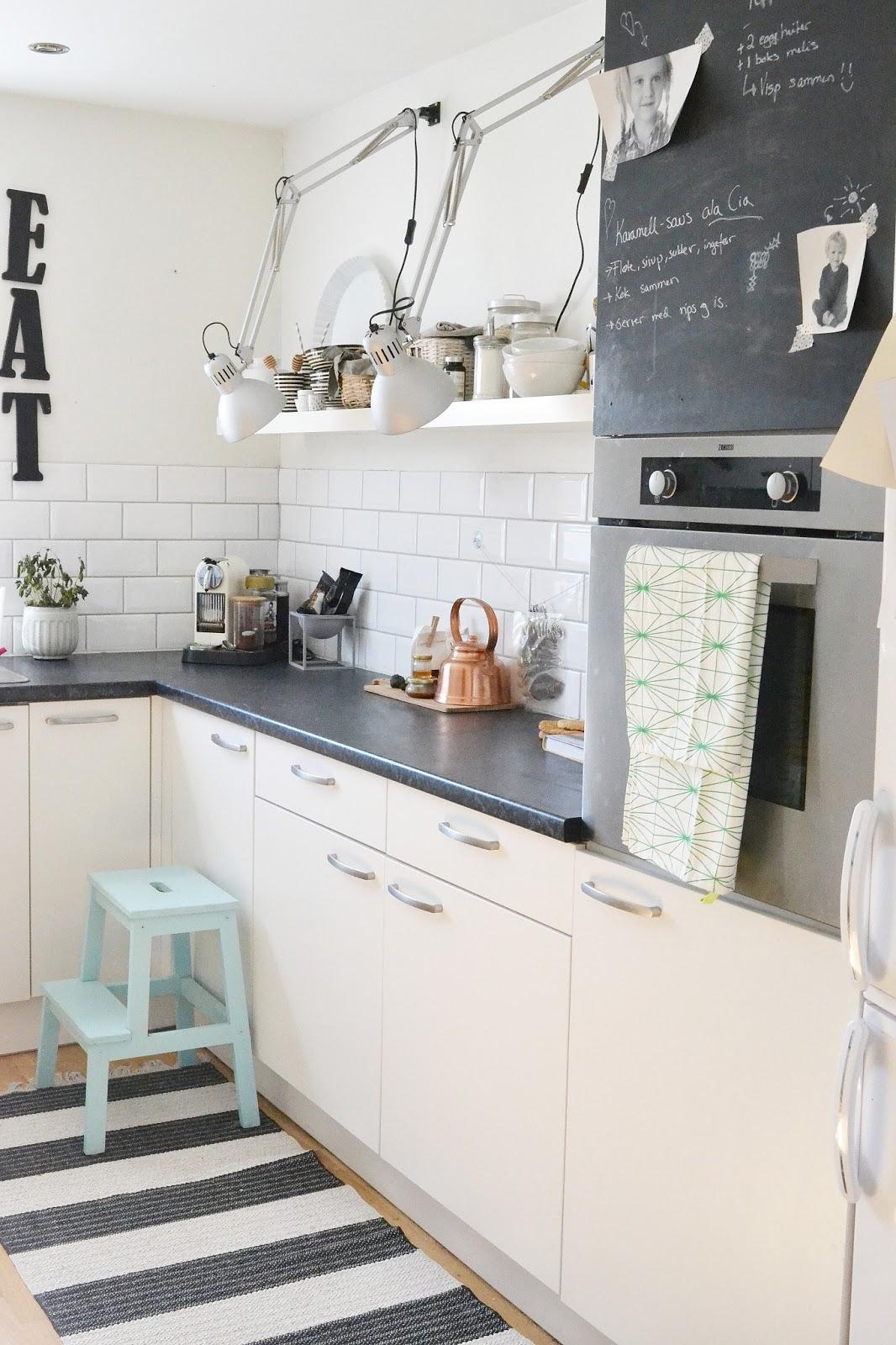 decoracion espacios pequeños repisas, uso de repisas