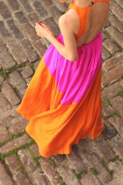 hot pink dress with orange, maxi dres rosa con naranja