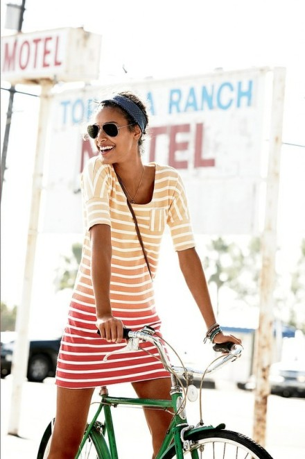 Vestido de verano a rayas, rayas en verano look