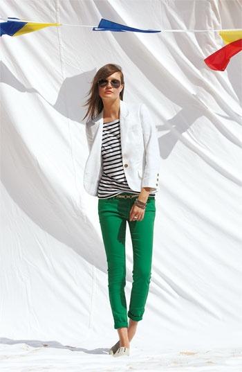Blusa a rayas, pantalones verdes, jeans verdes look, look pantalones verdes